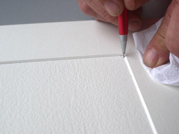 marquage des angles au crayon à papier